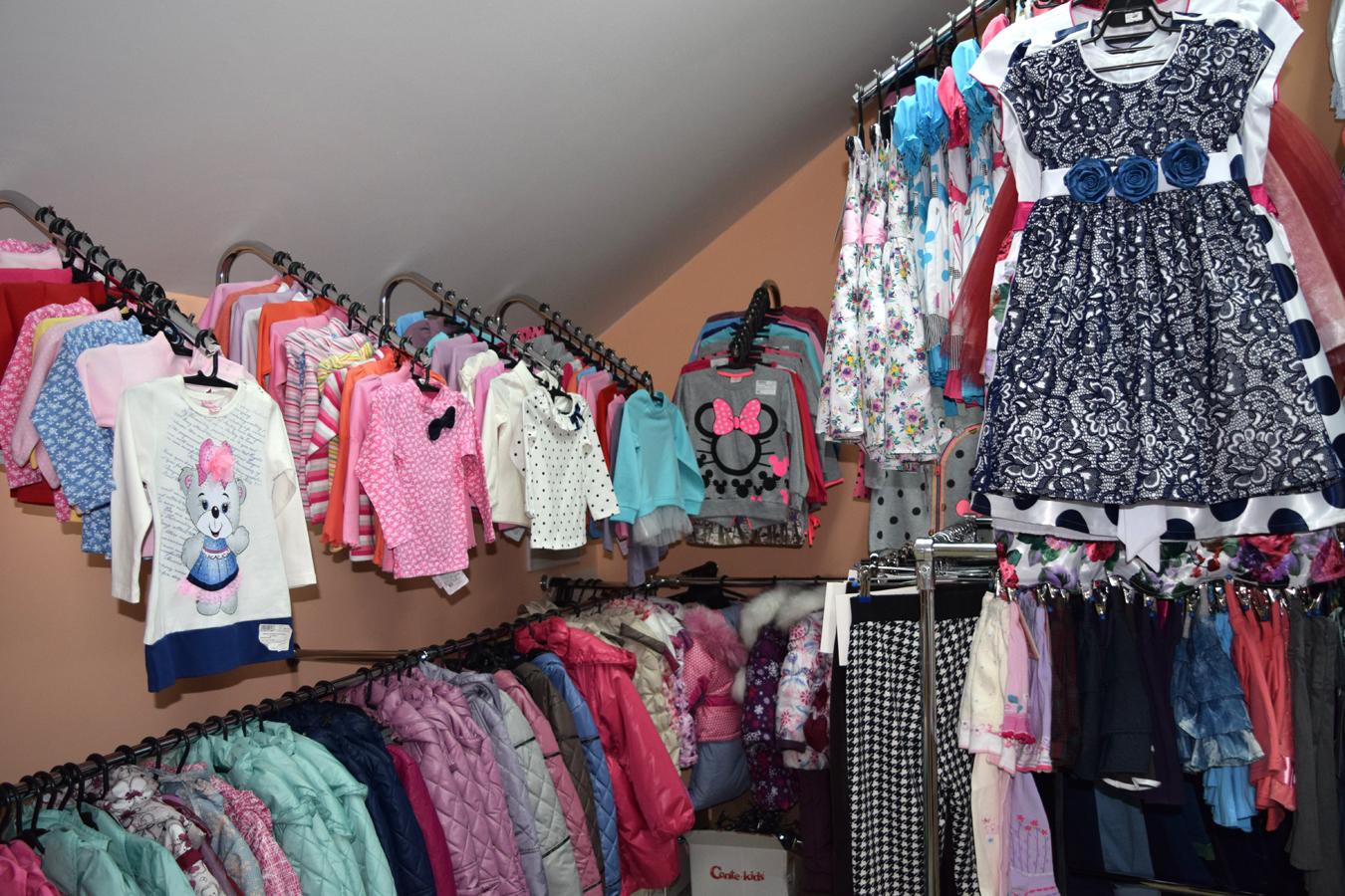 Считаю что выгодное дело, так как детская одежда это очень ходовой товар.