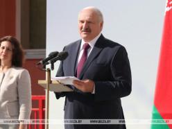 На учебу, как в храм, надо приходить с чистыми помыслами - Лукашенко потребовал усилить дисциплину в школе