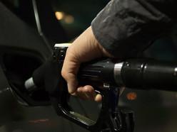 Автомобильное топливо подорожает с 18 августа на 1 копейку