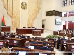 Минимальные зарплату и потребительский бюджет уравняют в Беларуси с 1 января 2020 года