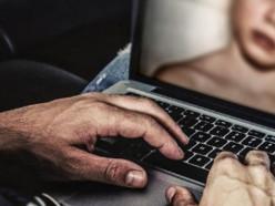 Уговаривал прислать ему интимные фото.За шесть лет от действий мужчины пострадало 26 девочек 9-14 лет