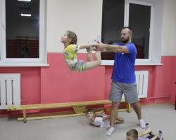 Открываются новые группы в секции оздоровительной гимнастики и акробатики!