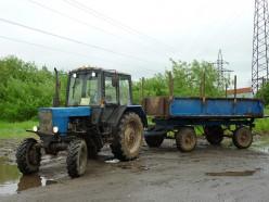 Трагедия в Стародорожском районе: Молодой парень погиб под колесами трактора