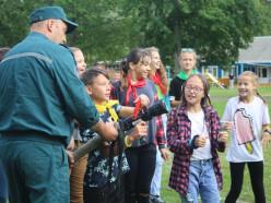 Работники Слуцкого РОЧС посетили детский оздоровительный лагерь «Зорька»