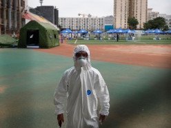 Пекин ввел военное положение из-за новой вспышки коронавируса