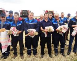 Праздник хлеборобов «Зажинки» прошел в филиале «ПСХ» ОАО «Слуцкий мясокомбинат»