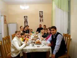 Слуцкий детский дом семейного типа посетили братчики