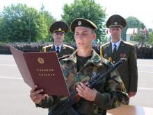 180 новобранцев приняли присягу в 30-й отдельной железнодорожной бригаде в Слуцке