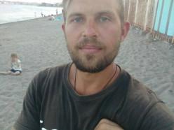 105 долларов и 36 дней пути. Парень из Любанского района доплыл до Черного моря на сапборде.