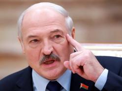 Лукашенко заявил, что собирается заставить частников платить зарплаты не меньшие, чем на ведущих 10 госпредприятиях страны