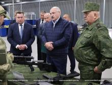 «Война может вспыхнуть в любой момент в любой точке, не дай бог у нас». Лукашенко предложил учить стрелять студентов