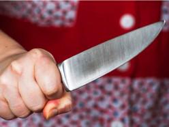 В Старобине местная жительница с ножом напала на школьницу