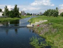 Житель Слуцка вместо ключей нашел в реке снаряд времен ВОВ