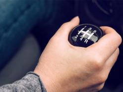 Штрафные баллы нарушителям и отдельные права на «механику» и «автомат». Что ждёт белорусских водителей