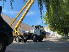 На месте запланированного митинга в Слуцке работает автовышка