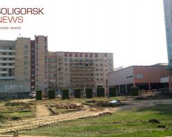 К 60-летию Солигорска облагораживают территорию около здания управления ОАО «Беларуськалий»