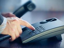 Кому из чиновников можно задать свои вопросы по телефону в январе