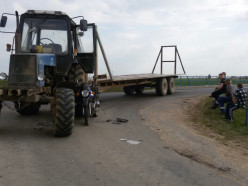 ГАИ ищет очевидцев столкновения трактора и мотоцикла вблизи д. Городище