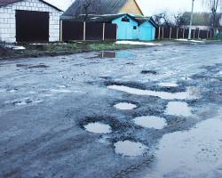Жители деревни Брановичи жалуются на состояние дорог, ставших объездными при реконструкции Р23