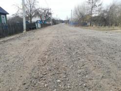 В деревне Буда Гресская после репортажа ОНТ большегрузы пустили по объездной дороге
