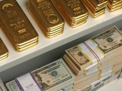 Ни разу за десятилетие предприятия не покупали столько валюты. Разгромный месяц для Нацбанка