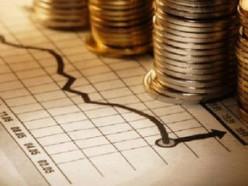 Бюджет пришлось скорректировать: профицит стал скромнее, потолок внешнего и внутреннего долга поднят