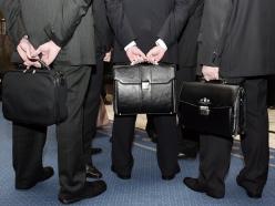 Более 50 чиновников в Беларуси не имеют высшего и среднего образования