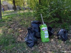 «Чистый Слуцк» убрал мусор возле 2-й гимназии