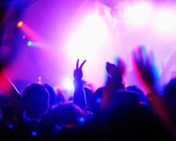 В солигорском ночном клубе парню руками проломили череп