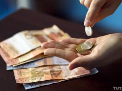 В Беларуси рванули цены на «молочку», гречку и овсянку, а на свинину и икру упали