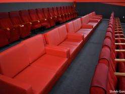 В слуцком кинотеатре установили мягкие кресла и диваны
