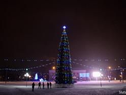 Акриловая снегурочка, флажки, четыре ёлки. Каким будет новогодний Слуцк-2020 (обновлено)