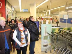 Продолжаются проверки: в Слуцке эвакуировали детей из кинотеатра и «Евроопт»