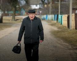 «Не из-за денег работаю». 89-летний фельдшер более полувека трудится в ФАПе под Слуцком