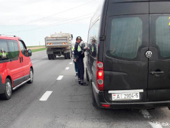 ГАИ и транспортники усилили контроль за перевозчиками пассажиров