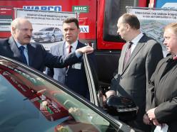 Лукашенко приказал пересадить белорусских чиновников на китайские «Geely» белорусской сборки