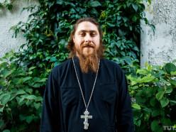 Слуцкий священник, который ведёт в Instagram трансляции службы, рассказал о себе порталу TUT.BY