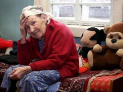 Государство будет содержать одиноких стариков в обмен на их квартиры
