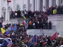 Беспорядки в Вашингтоне: сторонники Трампа ворвались в здание Конгресса США