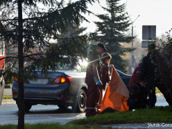 В центре Слуцка вблизи пешеходного перехода сбили женщину, она в тяжёлом состоянии