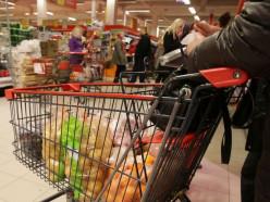 Контрольная закупка: сколько стоит продуктовая корзина в Минске и Слуцке