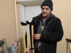 Костыли во временное пользование в Слуцке, прокат костылей бесплатно:«Мы просто хотим помогать людям».