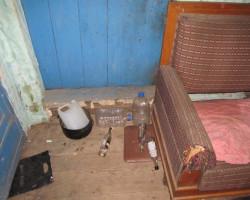 Кулаками и металлической трубой. В Стародоржском районе мужчина на почве ревности забил до смерти соседа