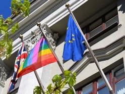 МВД Беларуси категорично высказалось о вывешивании флага ЛГБТ на британском посольстве в Минске