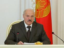 Лукашенко назвал глупыми разговоры об объединении Беларуси и России