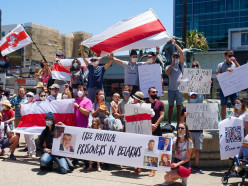 Вряде стран прошли акции солидарности сбелорусами. Посмотрите, что там было