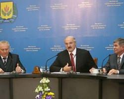 Лукашенко говорил с Путиным о возврате в Беларусь Слуцких поясов