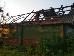 Пожар в деревне Слуцкого района: хозяйка покинула дом самостоятельно