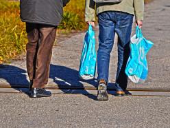 В Беларуси предлагают запретить бесплатные полиэтиленовые пакеты в магазинах