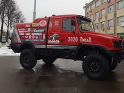 МАЗ представил раллийный грузовик с капотной компоновкой